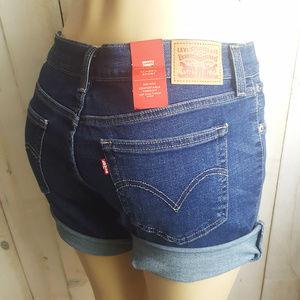 Levi's Shorts Classic 28 Womens Vintage Soft NWT